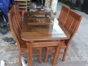 Bàn ăn gỗ Sồi Nga 4 ghế